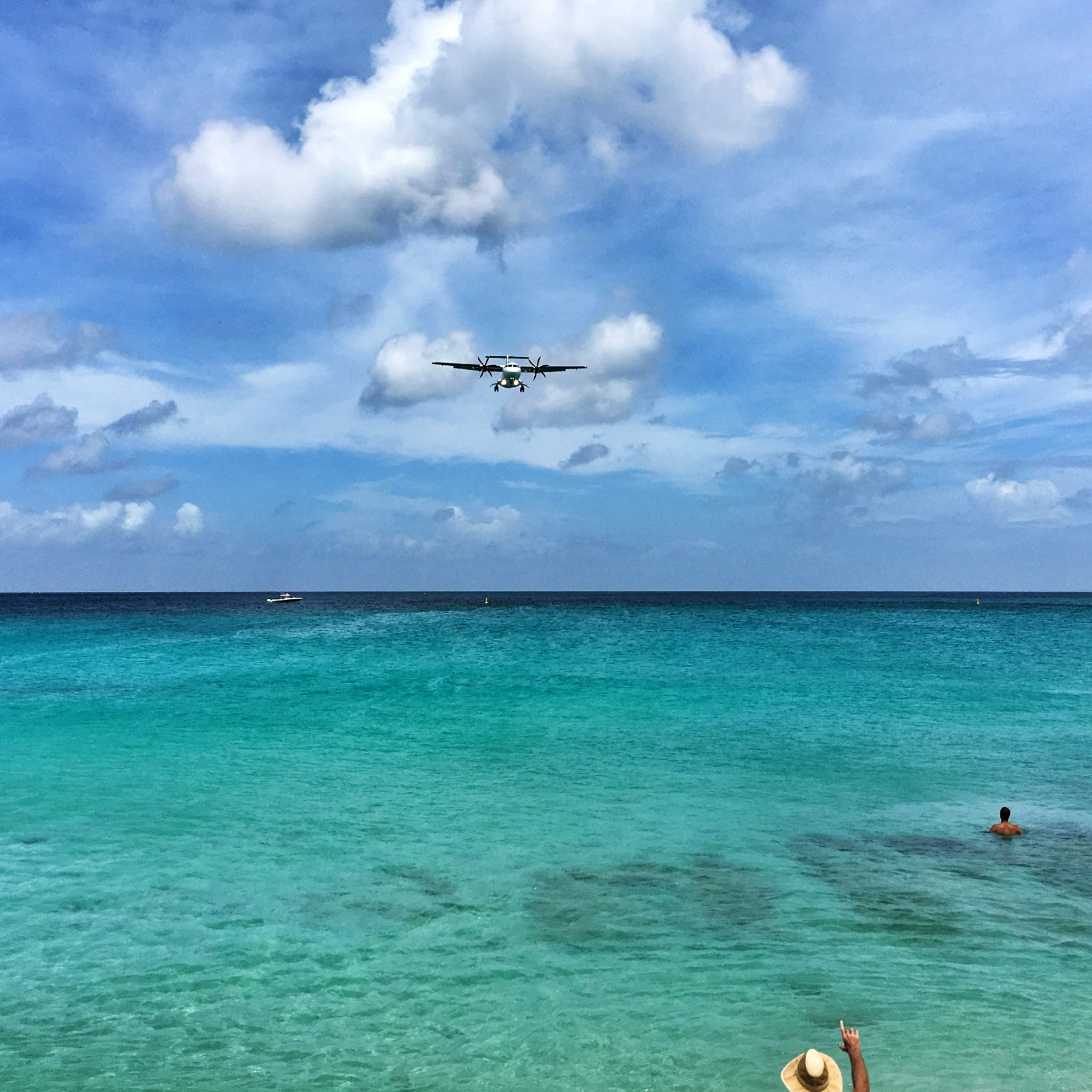 before and after snapseed, smartphone editing with snapseed | Photo: Maho Beach St Maarten - AFTER EDITING! | Copyright Karin van Mierlo | Photography Playground