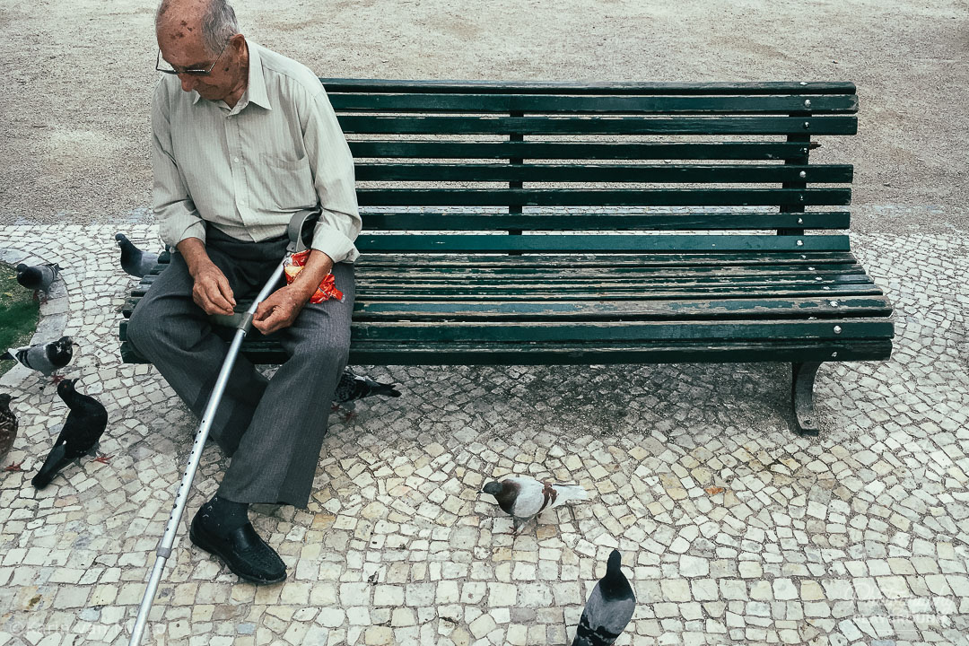instagram photos, instagram photography tips | Photo: Talking to Pigeons, Lisbon, Portugal ©Karin van Mierlo, Photography Playground