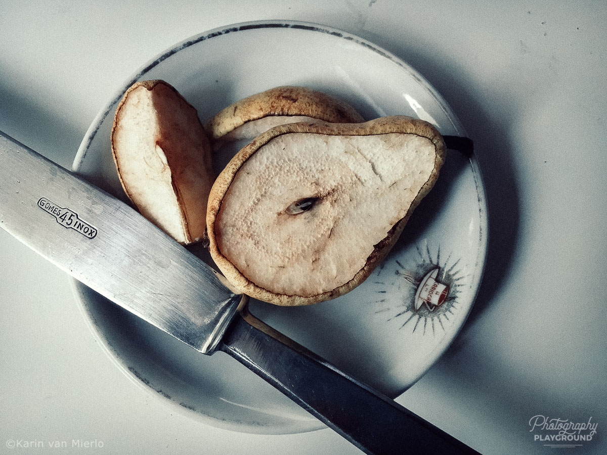 Creative photography ideas at home | Photo: The Science Project: Pear 1 ©Karin van Mierlo Photography Playground