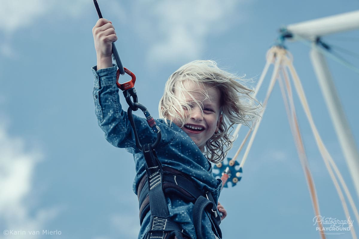 photographing children, photographing kids, child photography tips, tips for photographing kids, how to photograph kids | Photo: Jumping boy Copyright Karin van Mierlo | Photography Playground