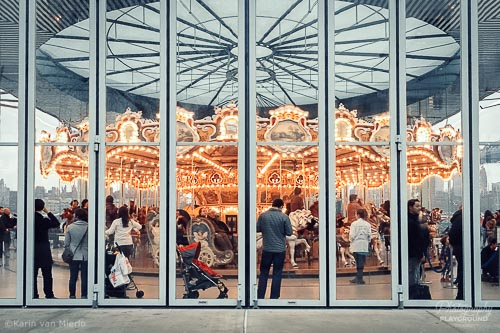smartphone photography course, mobile photography course, camera app download, procamera, camera fv-5 | ©Karin van Mierlo, Photography Playground, Photo: iPhone, Carrousel, Brooklyn, New York